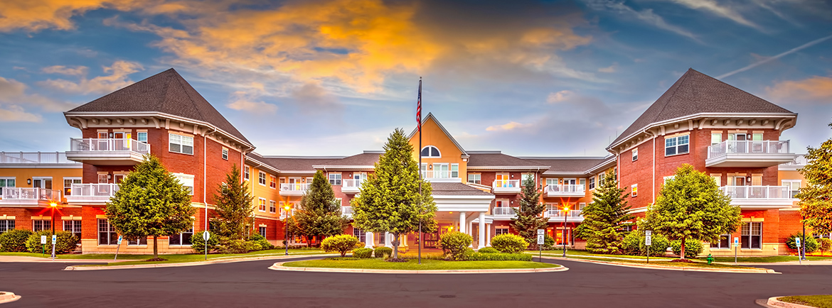 Covenant Living at the Holmstad main entrance